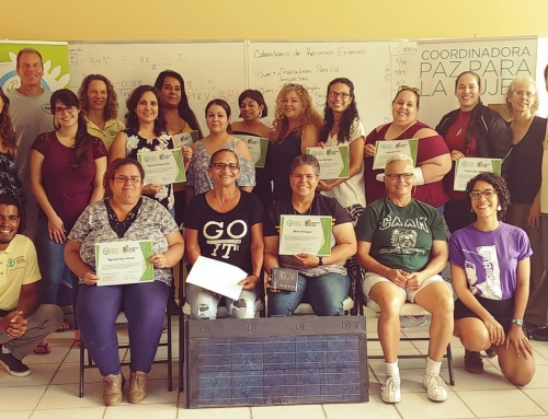 La primera clase de 13 mujeres se gradúa usando el Programa de Estudio de SEI en el Bosque Modelo de Puerto Rico