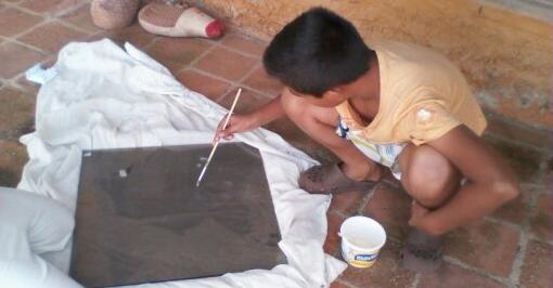 De Venezuela directo a nuestros corazones, los primeros pasos de Abraham en la energía solar